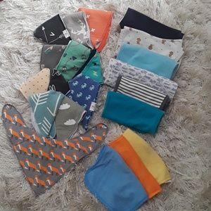 15 Bibs 6 Burp Cloths